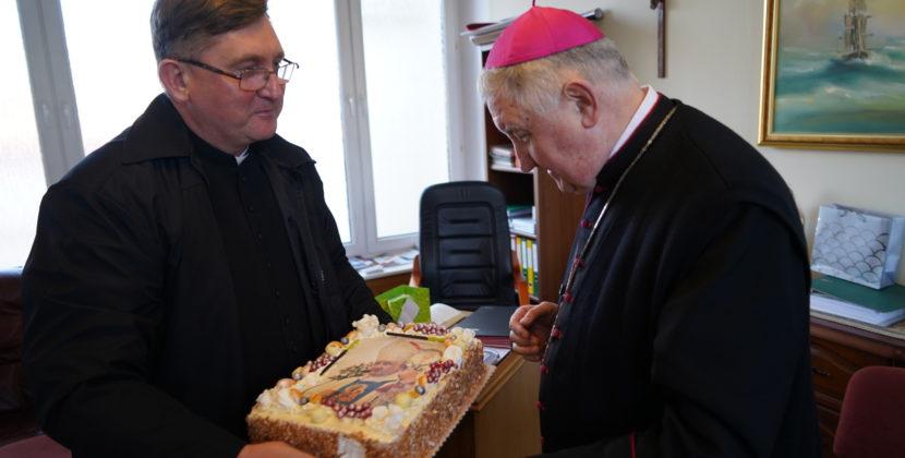 Biskup Romuald Kamiński kończy 65 lat